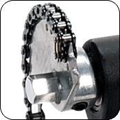 Привод на одиночной цепи со смещенным кулачком обеспечивает быстрый отклик.